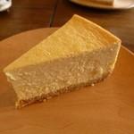 カフェ・ルーラル - ベイクドチーズケーキ♪