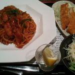 ひだまり庭 - 昔風ナポリタン750円+鶏ササミフライ100円