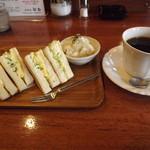 とむ - 「モーニングC」卵サンド+ポテトサラダ600円