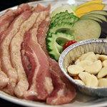 ニライカナイ - 料理写真:ある日の夕食、サムギョプサルでした。