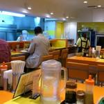 キッチンABC - キッチンABC 池袋東口店 明るくポップカジュアルな店内