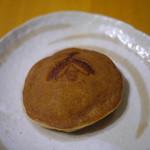 味香月堂 - 料理写真:ホタル(小豆)~☆