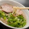 麺工房 海練 - 料理写真:煮干しベースの和風ラーメン(700円)自家製平打ち麺でご堪能下さい。塩、醤油が選べます。塩が人気です(^^♪