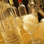 コテ・フー - レモンのシャーベットにゲヴェルツトラミネールのマールをかけて(1050円)
