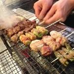 源氏とん太 - 竹酢で育てた、新鮮「とやまポーク」とこだわりの「備長炭」で焼きあげます。