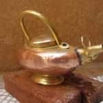 ボージャン - トイレに有った牛の形のハンドソープ入れ