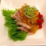 18363061 - 蒸し鶏のバンバンジーソース!