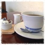 ニロ カフェ - 食後のコーヒー。 食器もとっても可愛いです♡