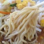 満北亭 - 味噌バターコーン、麺
