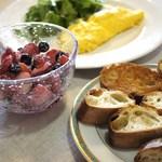 リーポール - 苺と練乳のサラダで、朝食