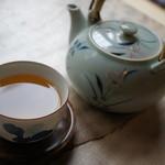 四季の里 蕎麦 季里 - ドリンク写真:まずはそば茶です。