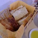 18372421 - セットのパン