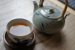 四季の里 蕎麦 季里 - まずはそば茶です。