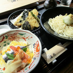 海廊 - 料理写真:地穴子と季節の天婦羅おろしぶっかけうどんご膳(冷)まつり寿司付き
