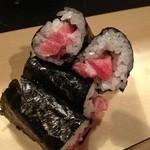 鯛壽司 - トロの細巻き