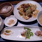 暖龍 - 回鍋肉定食