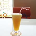フルーツカフェ オレンジ - デコポンのジュース。\400