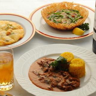 お客様のお好みに合わせたコース料理をお手頃価格でご提供します