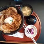 18378608 - 四元豚ロース豚丼\800