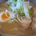 自己流ラーメン綿麺 - 和風だしと濃厚豚骨のダブルスープです。