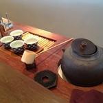 18380163 - 窯で焚かれる「京見峠の山水」