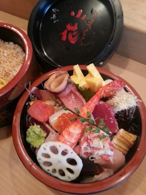 かまくら小花寿司 - 特上ちらし¥3150。