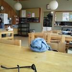 相生物産館 - 厨房と発券機一部