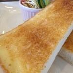 アーチ カフェ - カフェのトーストはなぜ美味しいのか…