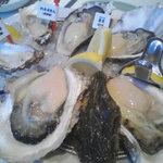 Oyster Bar ジャックポット - 岩牡蠣!!