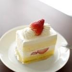 18392452 - 季節のショートケーキ(420円)