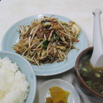 18396698 - 肉野菜炒め定食 680円