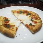 18397058 - フレッシュモツァレラチーズのマルゲリータ
