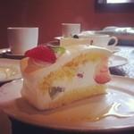 カフェ・レストランシブレット - ママの手作りショートケーキ