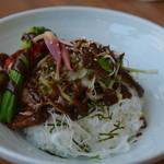 みのる食堂 - 豚味噌漬けと彩り野菜のどんぶり