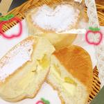 きんのすゞ - アップルチーズパン¥140