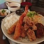 オリーブ・キッチン  - 男の夢、叶えました! オリーブ定食¥1000 ハンバーグ.エビフライ ,唐揚げ、クリームコロッケ、焙煎カレー