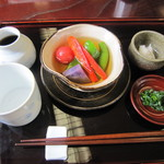 18408801 - 蕎麦の設え・旬の野菜料理(かけ汁の野菜浸し)
