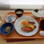 北海道工業大学 HITプラザ食堂 - 100円朝食 2013/4/15