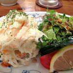 漁師居酒屋つねちゃん - 自家製ポテトサラダ。 うん、自家製ってカンジで美味しい。