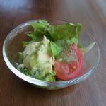 りべるた食堂 - ポテトサラダ。ジェノバ風のドレッシングがおいしい
