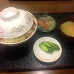 竜園 - H25.04 カツ丼¥700