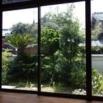 Cafe Restaurant Garden - 部屋から見たお庭