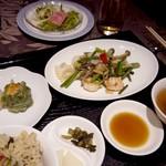 海鮮薬膳中華  トンフォン - 選べるランチ