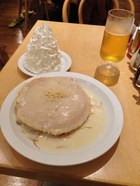 エッグスンシングス 原宿店 - マカデミアナッツソースパンケーキ(1250円)
