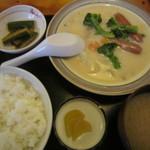 おいず家 - 料理写真:ソーセージシチュー定食