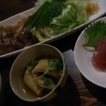 18416409 - 夜定食(豚肉の焼き物:お肉の味がとてもよかった♪お刺身もねかせてあるのか、ぺたりとしておいしい!)