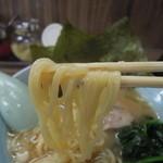 武蔵家 - 麺は酒井製麺