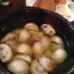 18422100 - マッシュルームのガーリックオイル煮
