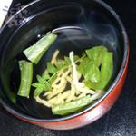 鳥羽グランドホテル - 吸物 魚麺と青菜の椀物