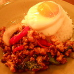 モンスーンカフェ - 鶏肉のガパオ炒めご飯